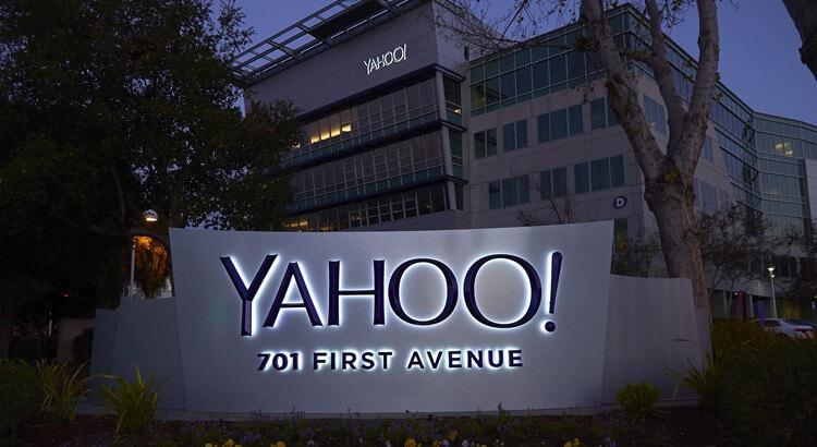 Yahoo-Foursquare-i-satin-aldi-mi
